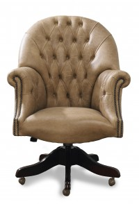 originele Engelse chesterfield bureaustoel gainsborough en Captainchair director chair.jpg